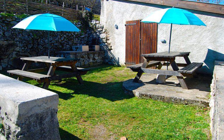 Aire de pique-nique et espace barbecue