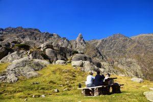 A Pyrenean Picnic