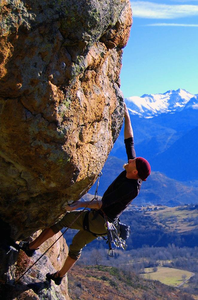 Climbing at Ariege Aston Valleys